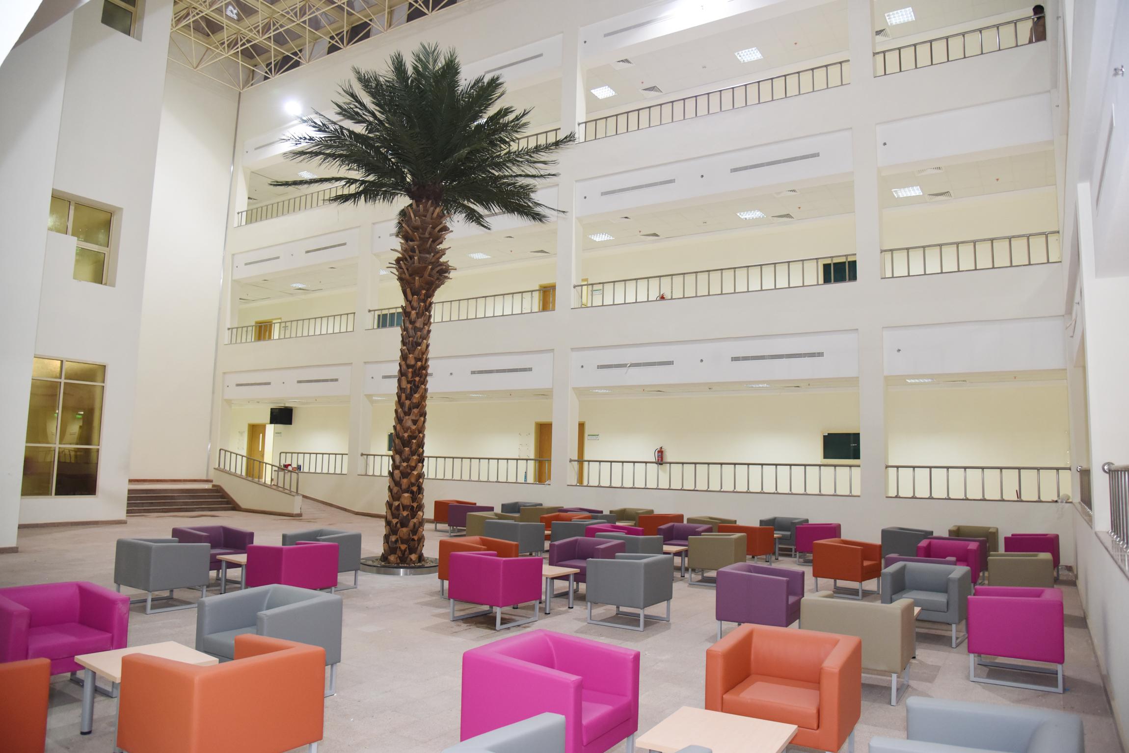 وكيل جامعة الأمير سطام بن عبد العزيز يقف على جاهزية مبنى كلية