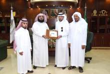 Rector receives the seventh annual report of the Deanship of Faculty Members and Staff Affairs